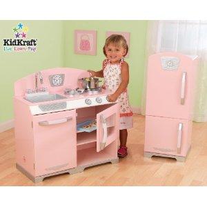 click here to buy the Kidkraft Retro Kitchen with fridge